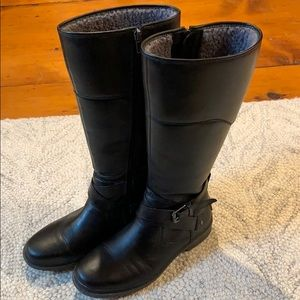 Black leather ugg boots size 7